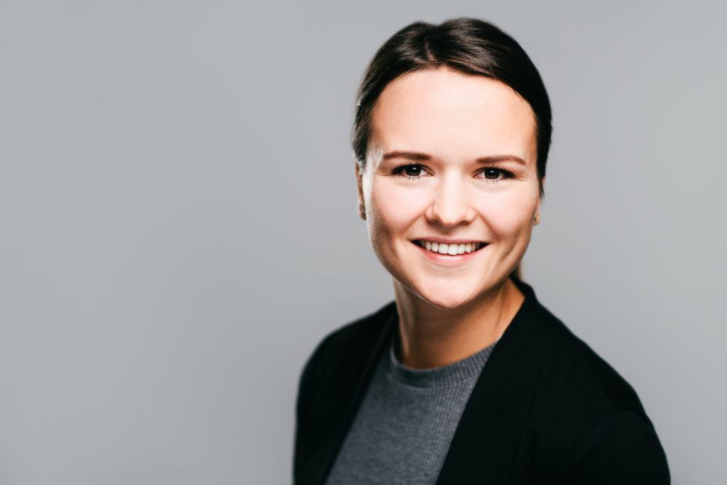 Magna Graz Intranet Mitarbeiterportraits Frau