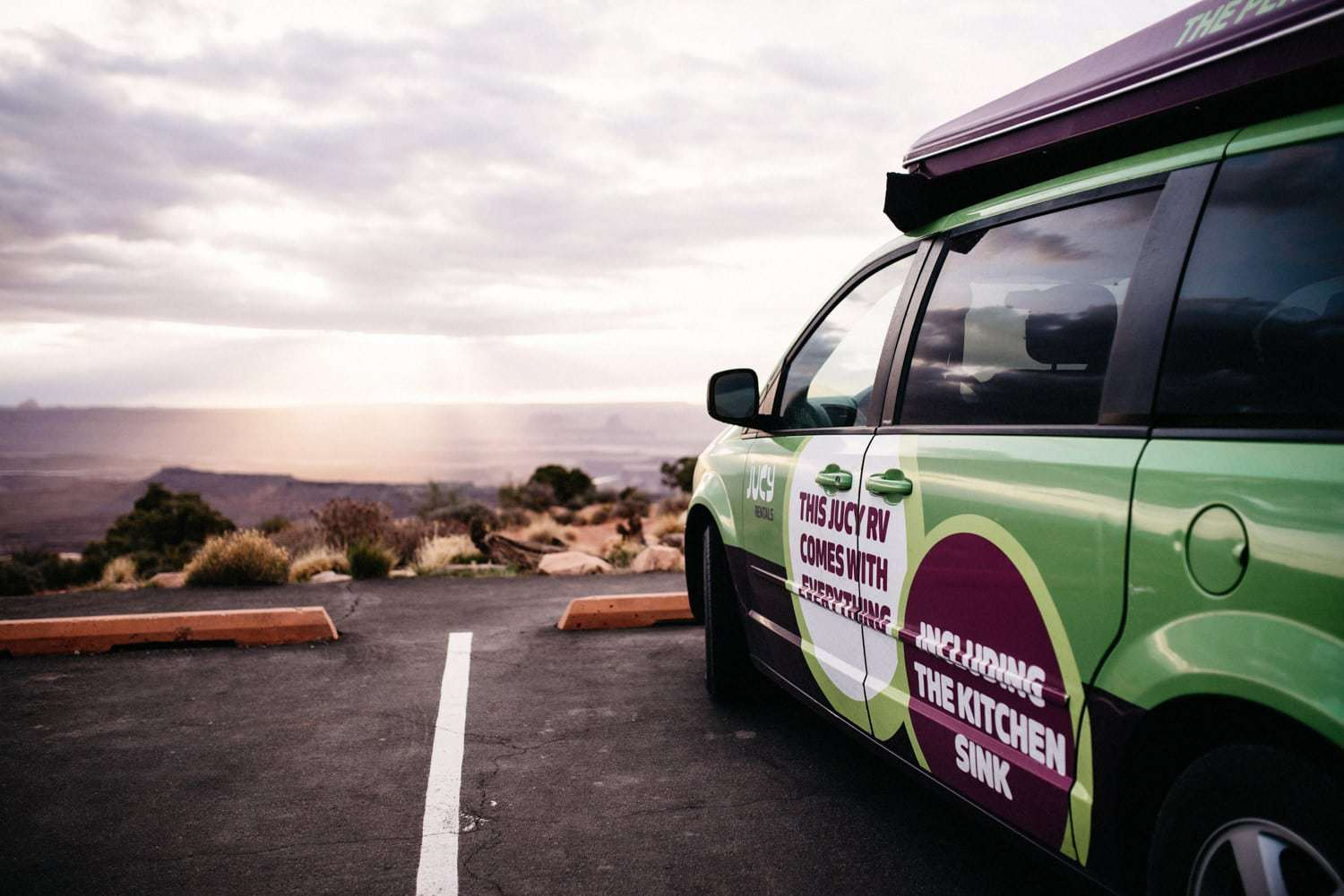 Jucy RV Rental North America - Sonnenuntergang Arches National Park
