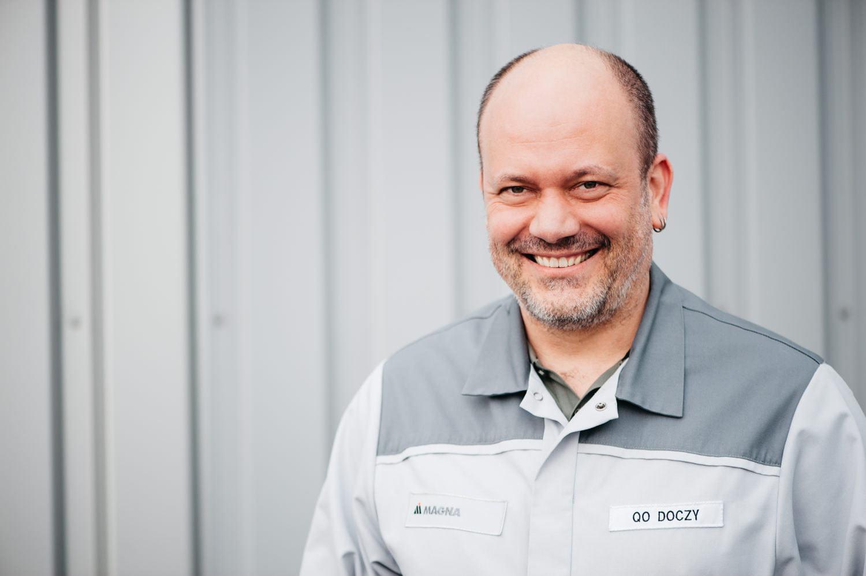 Magna Graz Plattform Mitarbeiterportraits Arbeitskleidung