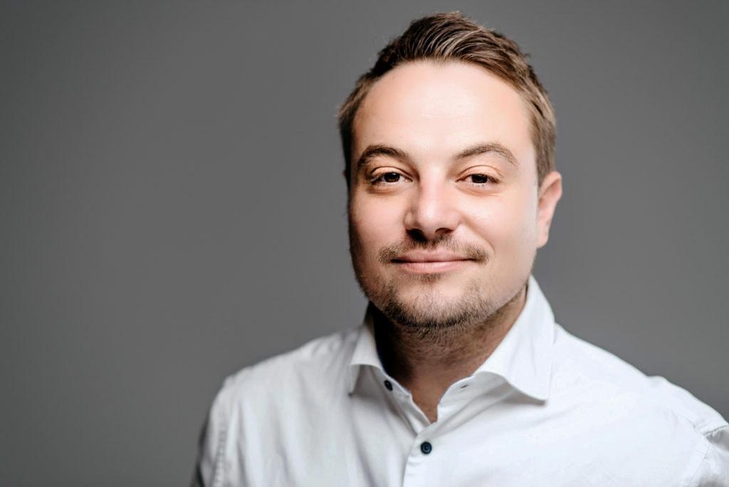 Mitarbeiterportraits Magna Graz Finance